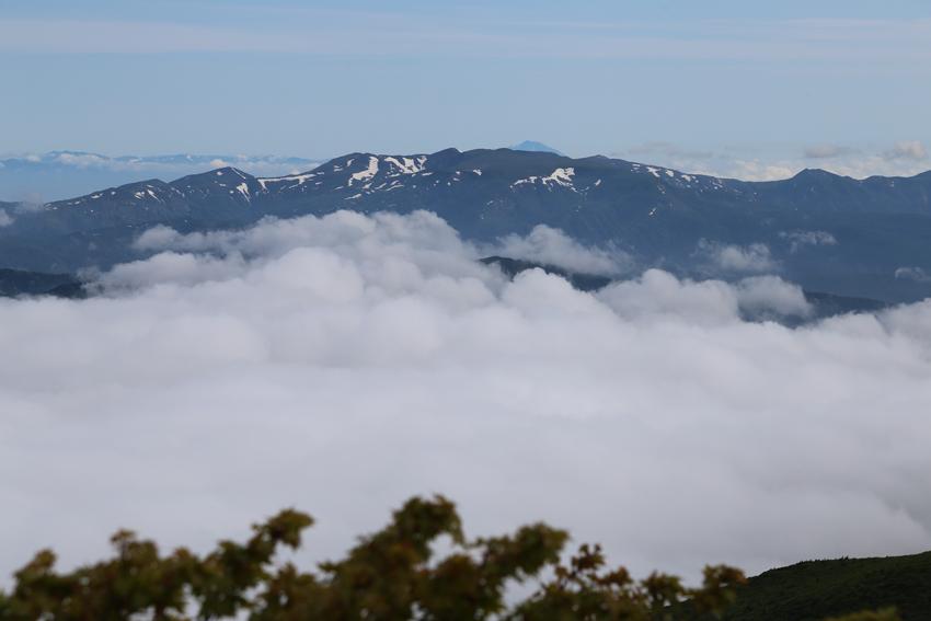 20170618焼石岳と雲海2