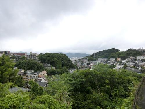 小雨が降ってます。 でも、午後からは少し晴れ間も・・・!?
