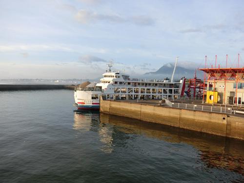 多比良港。 今年はまだクラゲいないね。