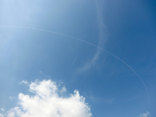 飛行機雲・・・旋回雲?