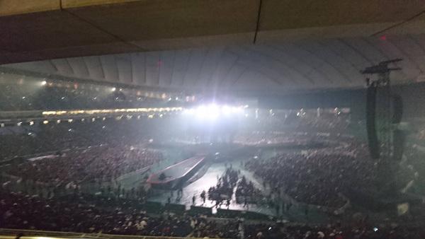 東京ドーム最上段からのステージの見え方3
