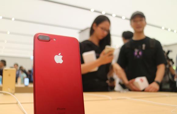 251_apple-oled_image002