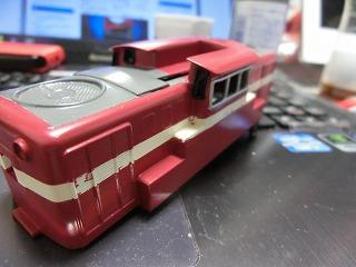 Hゴムの黒への変更&側面窓の色挿しをした機関車②