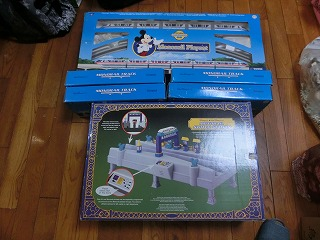 輸入したディズニーモノレールのおもちゃ