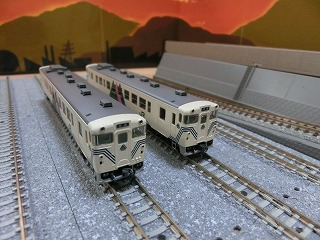 パーツ取付前の「宮沢模型 キハ40-500(左沢線)セット」②