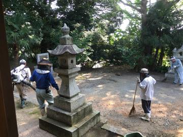 神社7月末の大掃除