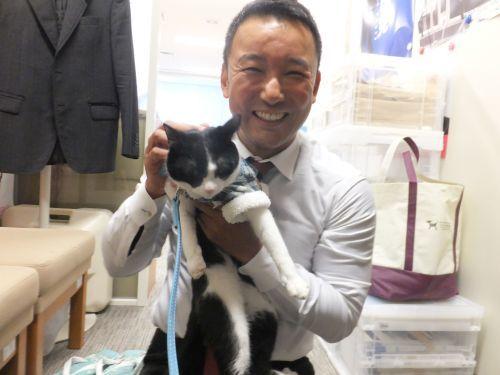 参議院議員 山本太郎先生と猫ジャンヌ DSCF0234 500