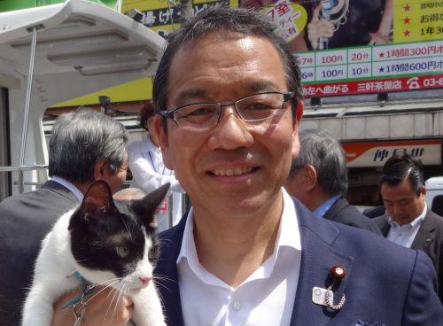 越智 隆雄(おち たかお)副大臣 2 500