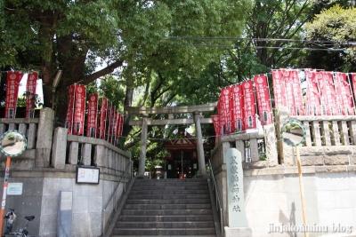 笠のぎ稲荷神社(横浜市神奈川区東神奈川)1