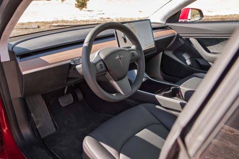 Tesla-Model-3-interior.jpg
