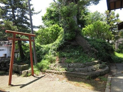 豆塚神社古墳か