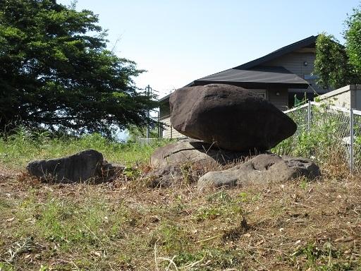 平石古墳群古墳石材か近景
