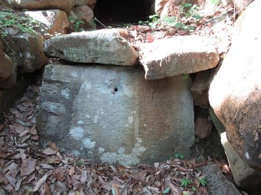 平石古墳群4号墳家形石棺