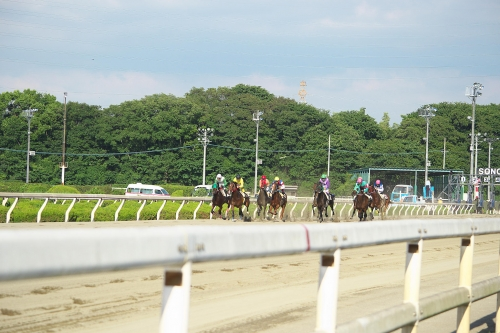 【競馬】スピードを争うスポーツでは一番重要なことを何故競馬は公表しないんだ?