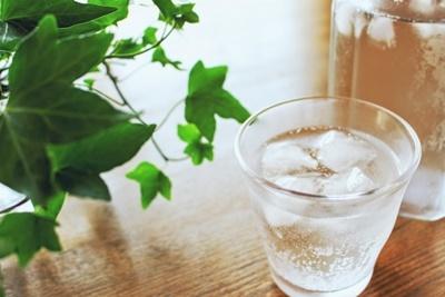 炭酸水コップ