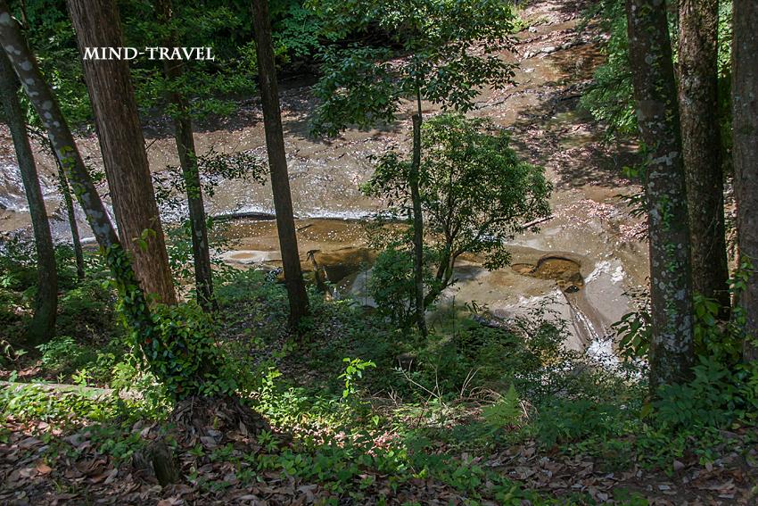 濃溝の滝付近 2