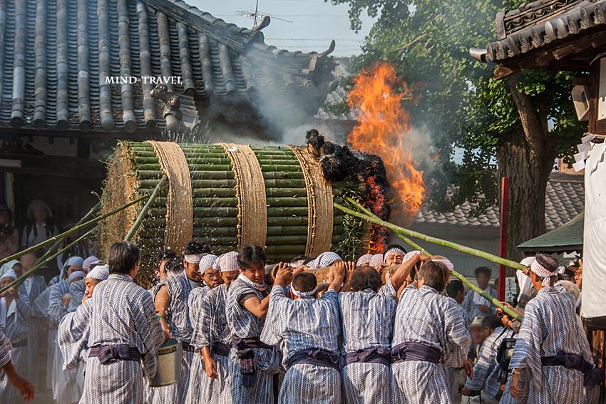 ほうらんや火祭り 八幡神社3