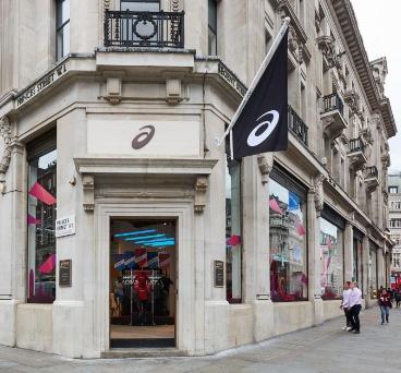 20170804アシックスのロンドン新店舗