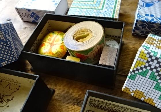 刺繍紙箱2