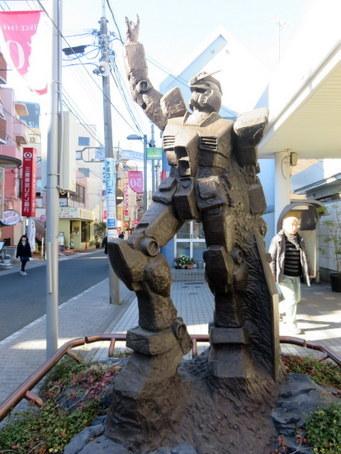 ガンダム銅像1