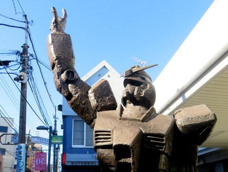 ガンダム銅像2