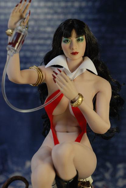 Vampirella0030.jpg