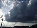 黒雲ひろがってー