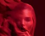 赤Vanessa-Moody-by-Camilla-Akrans-for-Vogue-Germany-8