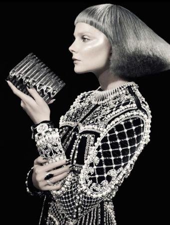 Vogue_Italia_Eniko_Mihalik_12.jpg