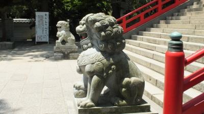 赤間神宮拝殿前狛