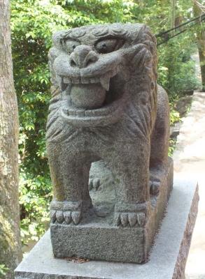 下関住吉神社06狛a