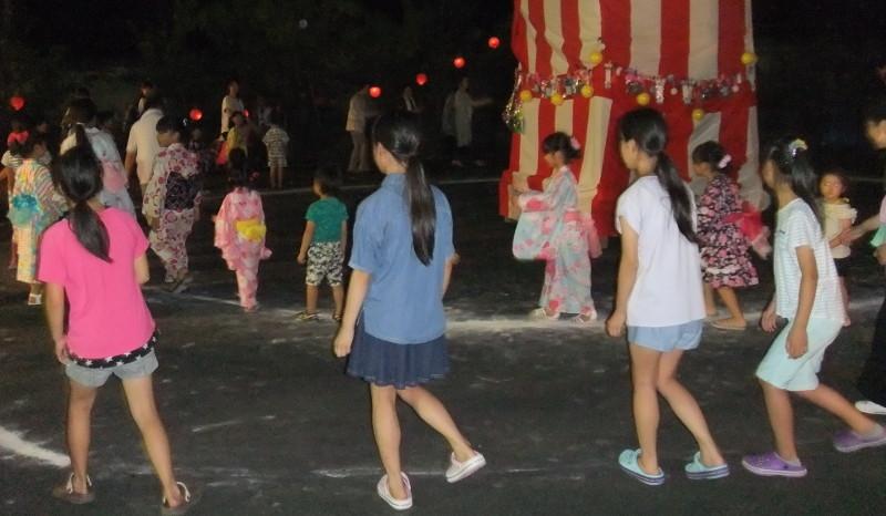 踊りの輪3