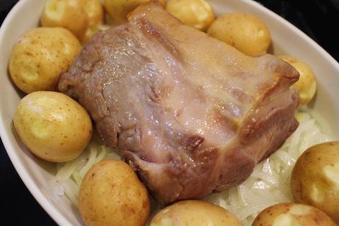 周りを焼いた肉をオーブンへ