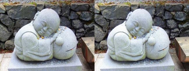 釈迦文院前 居眠り小坊主像②(平行法)