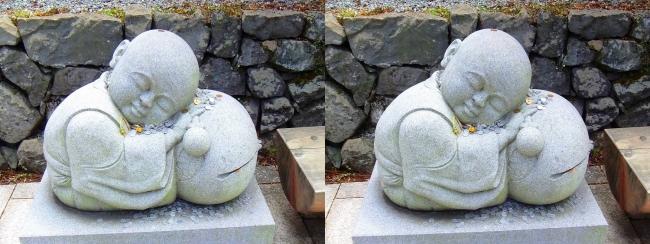 釈迦文院前 居眠り小坊主像②(交差法)