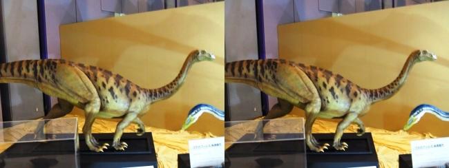 メガ恐竜展2017 ZONE3 プラテオサウルス生体復元(交差法)