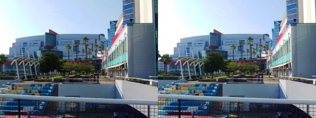 大阪南港ATC ウミエール広場(平行法)