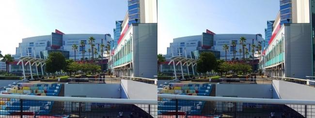 大阪南港ATC ウミエール広場(交差法)