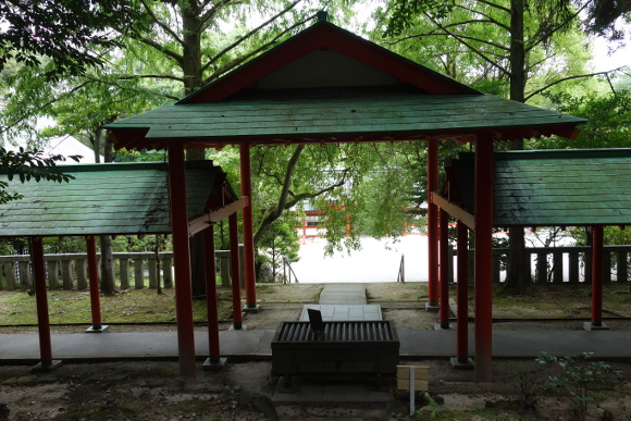 栖松遙拝殿と自動車清祓所10