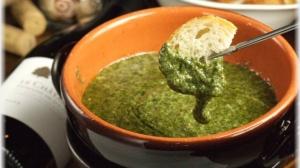 緑のチーズフォンデュ