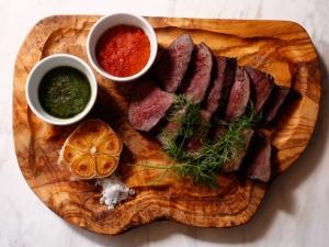 エイジンググラスフェッドビーフのステーキ