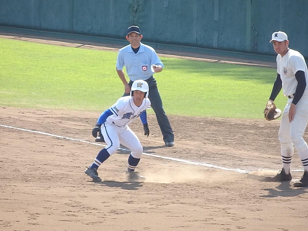 34_9回表、霞ヶ浦はこの回先頭の代打益子くんが出塁!