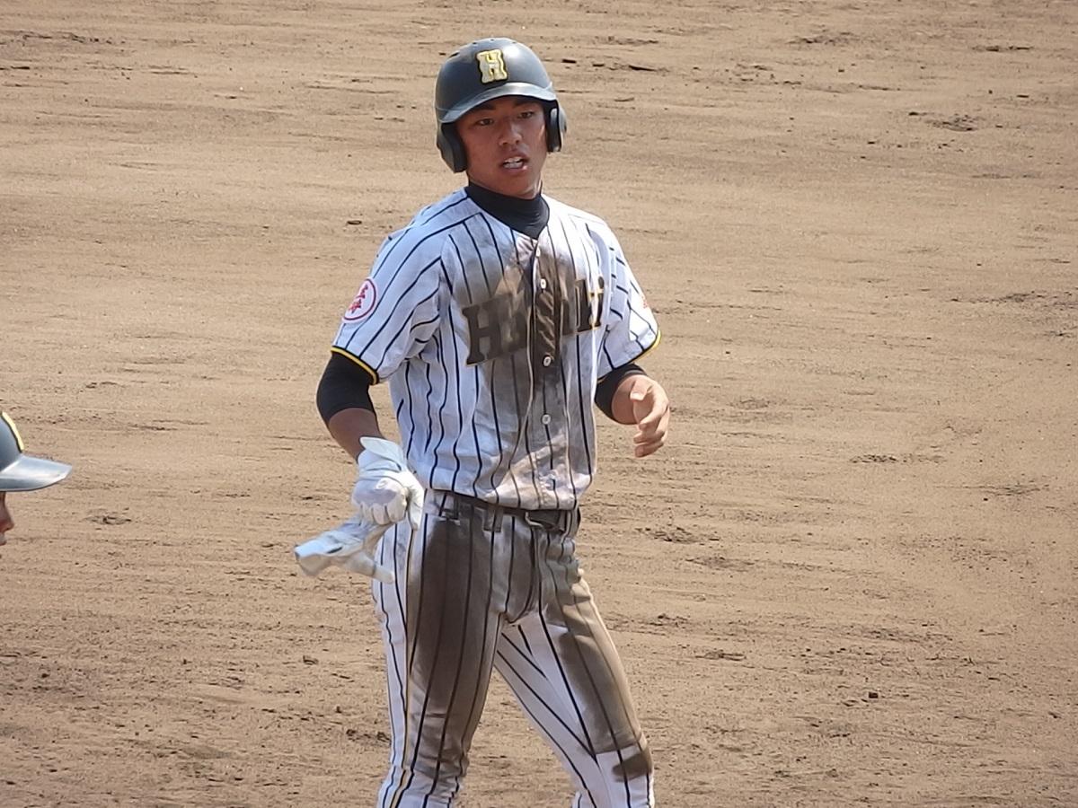 11_6回裏、波崎の4番で主将の星野くんが試合を決める一打!
