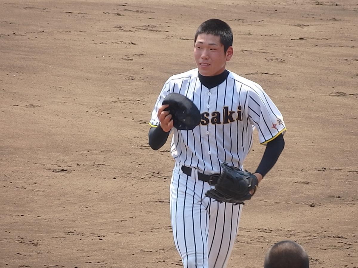 14_投げて、打って、走っての大活躍!波崎のエース宮田くん!