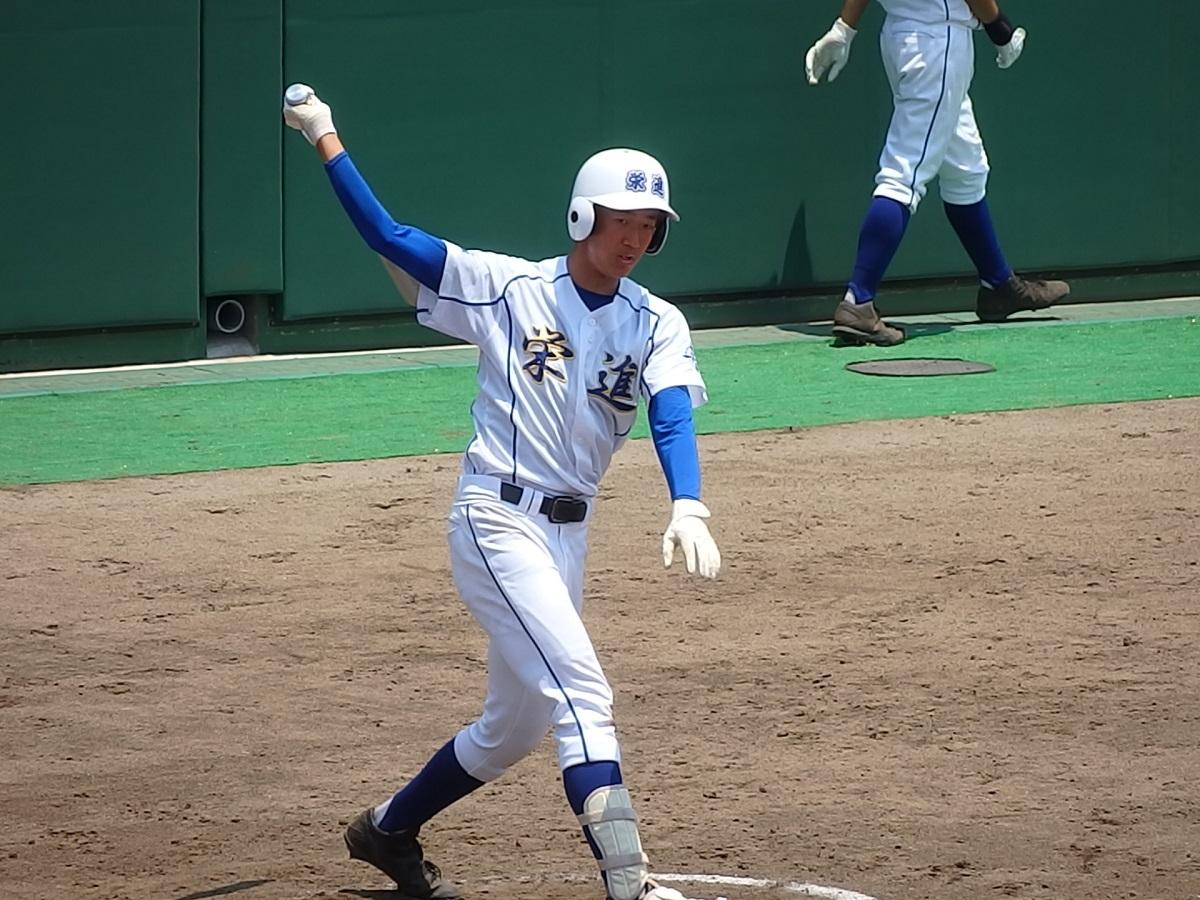 7回表、痛烈なレフト前ヒットを放った牛久栄進3番島田くん