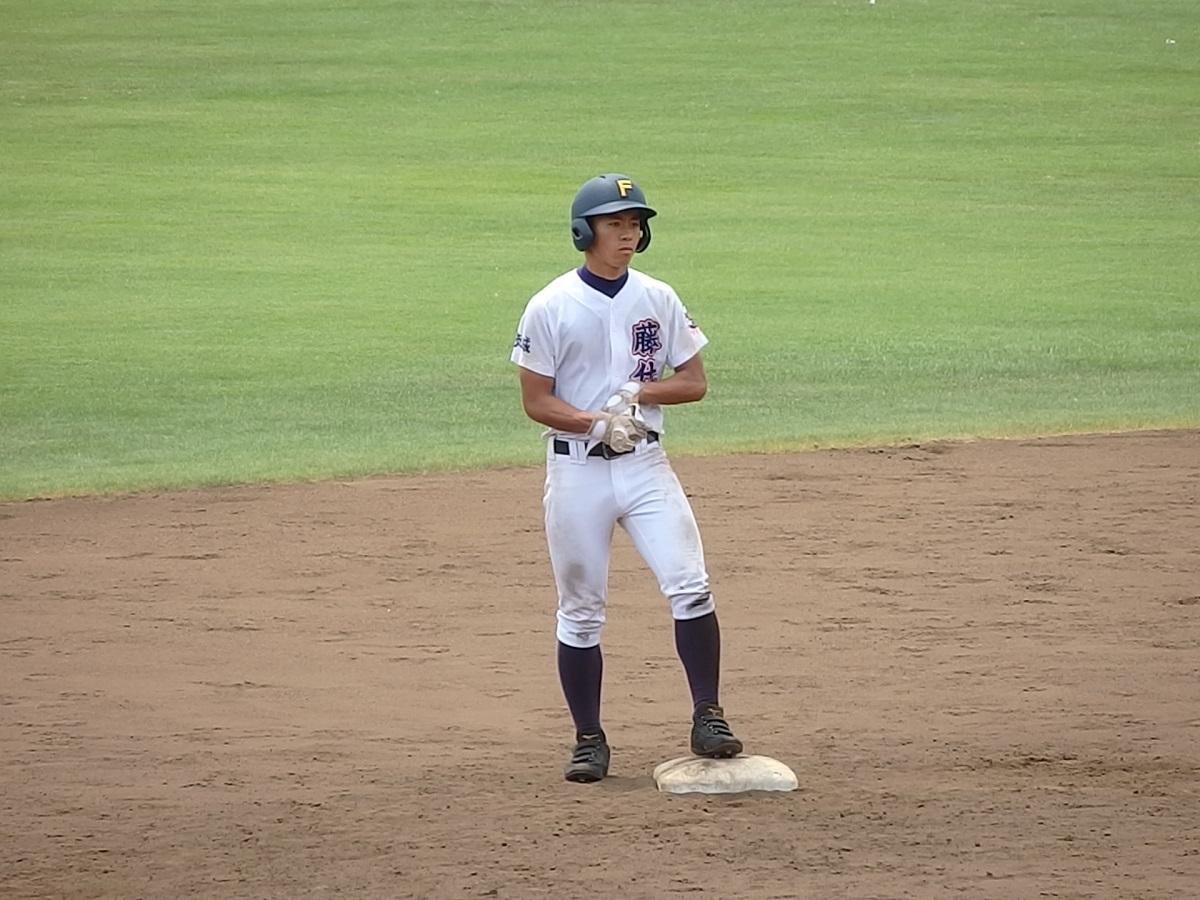 09_9回表、藤代は4番小野村くんの長打で勝ち越しのチャンスを迎えるが…