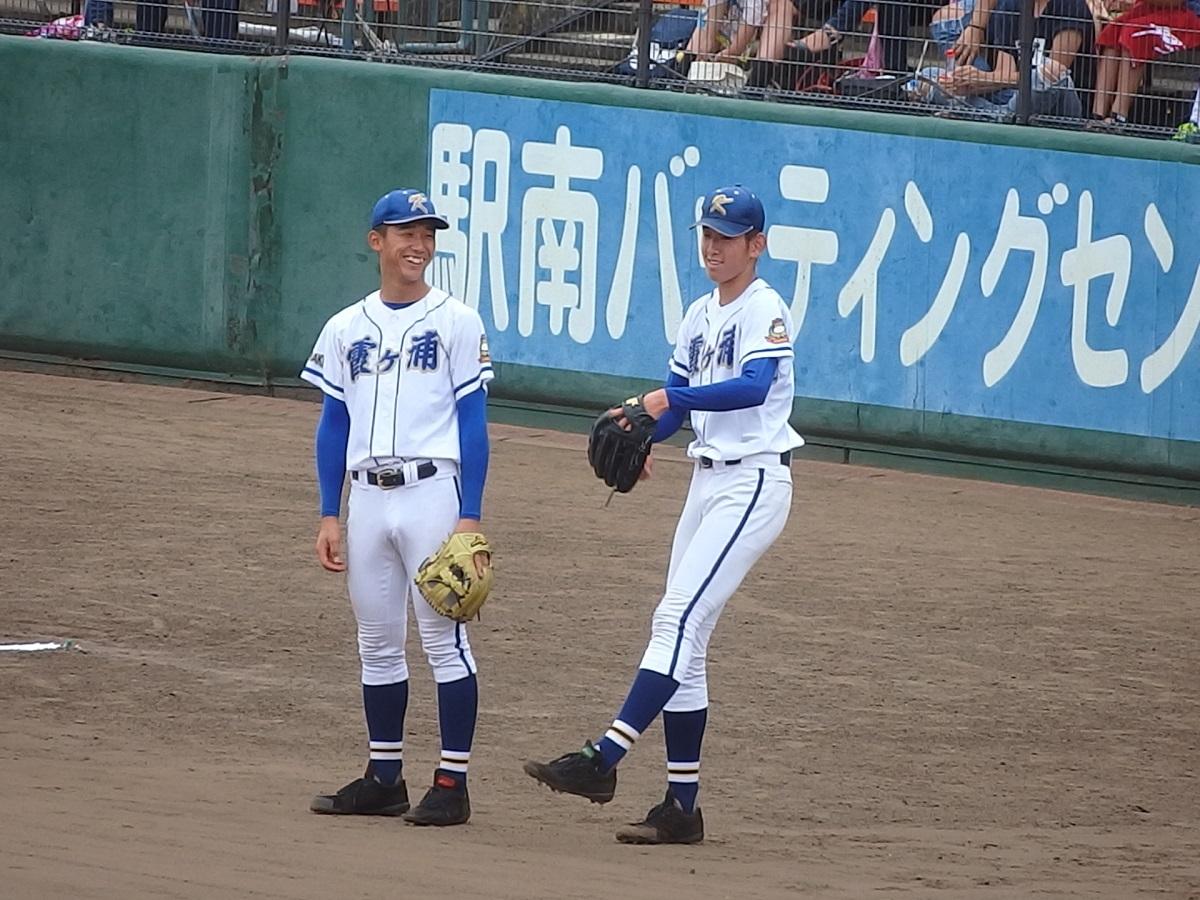 10_新治中学校出身の霞ヶ浦木村くん(左)と遠藤くん(右)