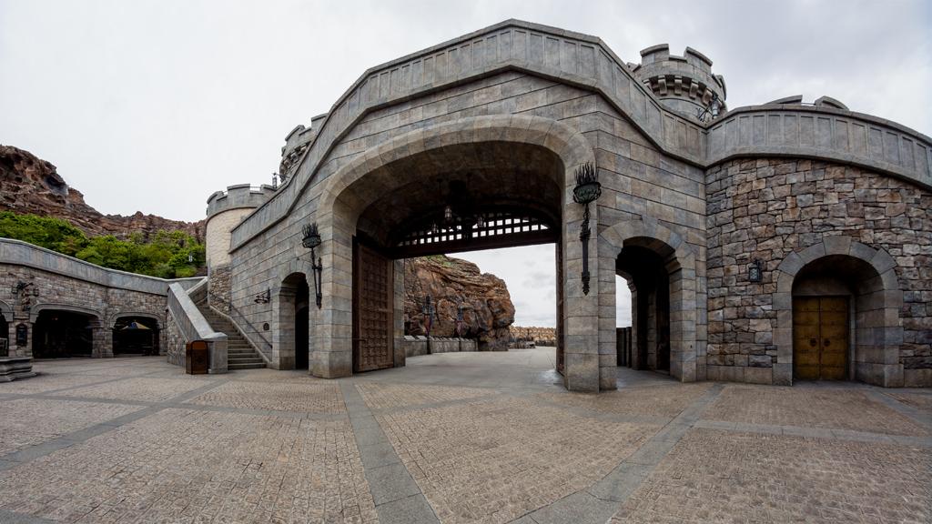 中庭より城門(フォートレス・エクスプロレーション)