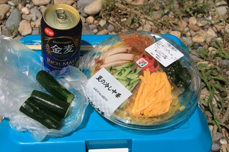 2017 7 28 河原での昼食 ブログ用.jpg
