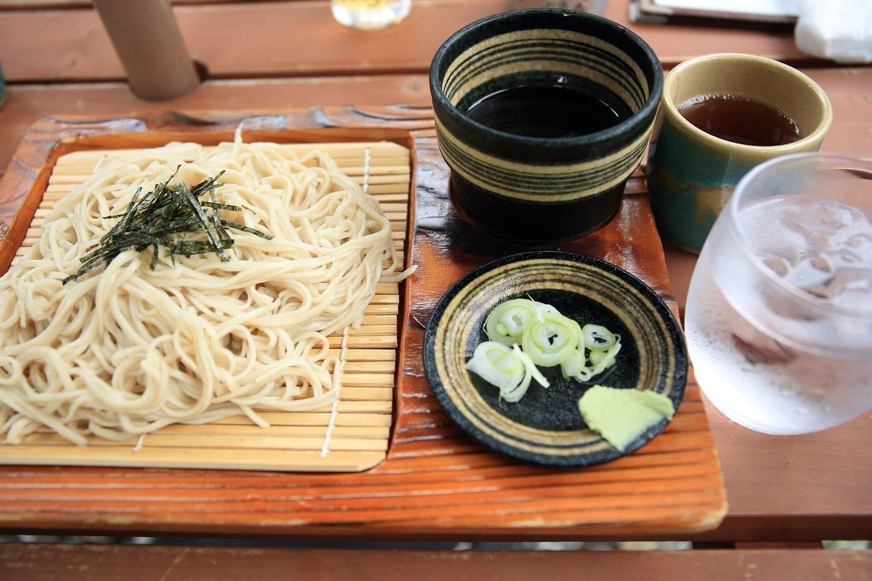 2017 8 6 茶店のお蕎麦 僕だけ何故か ブログ用.jpg